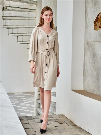夏季优雅休闲搭配 阿莱贝琳品牌女装折扣加盟时尚女装为你穿搭(图1)