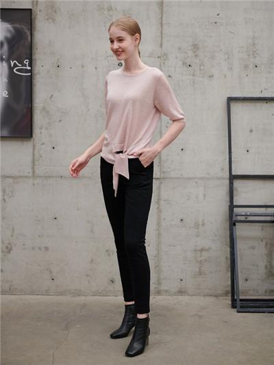 夏季优雅休闲搭配 阿莱贝琳品牌女装折扣加盟时尚女装为你穿搭(图2)