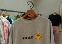 <span style=font-weight:bold;>夏季女装时尚 轻薄微弹  短袖t恤</span>