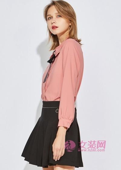 欧炫尔穿衬衫搭配半身裙也太美了,优雅时尚显气质(图1)